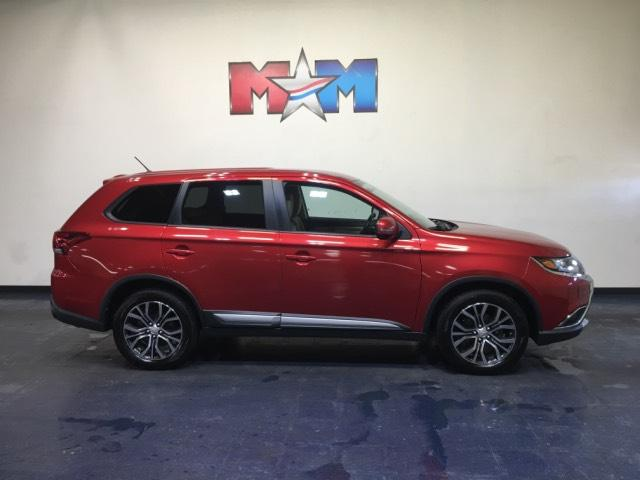 Pre-Owned 2016 Mitsubishi Outlander AWC 4dr SE